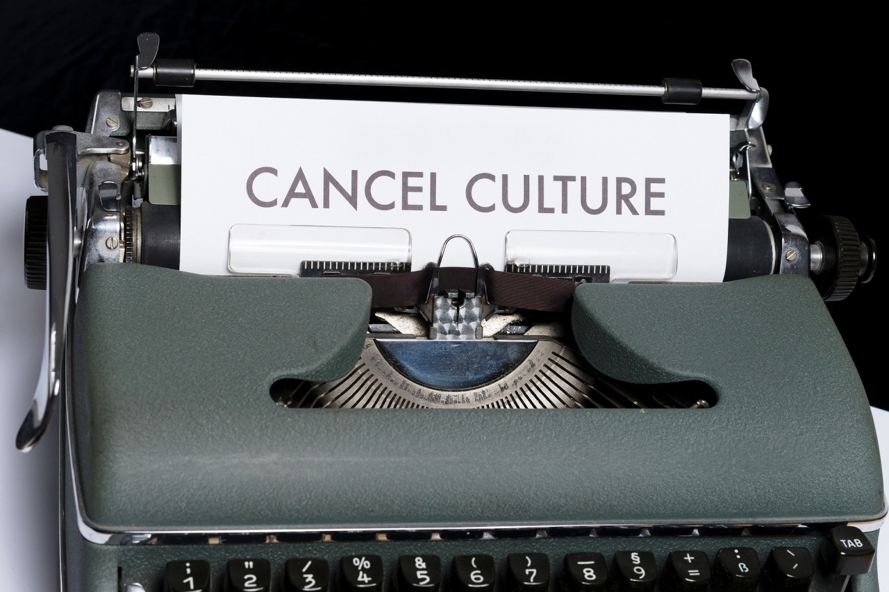 cancel-5355845_1920