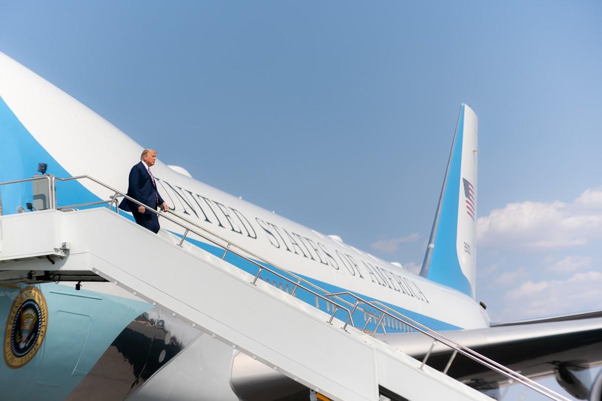 President_Trump_Travels_to_Arizona_50345550462